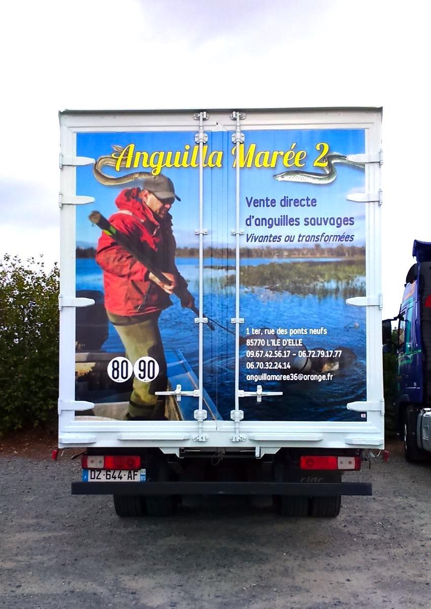 marquage arriere remorque camion guyonnet publicite fontenay le comte vendee