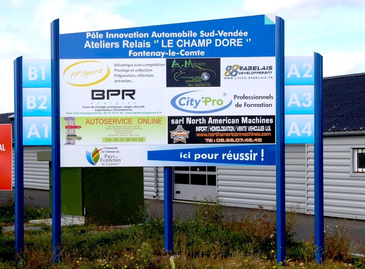 Ensemble panneau signaletique modulable guyonnet publicite fontenay le comte vendee 85