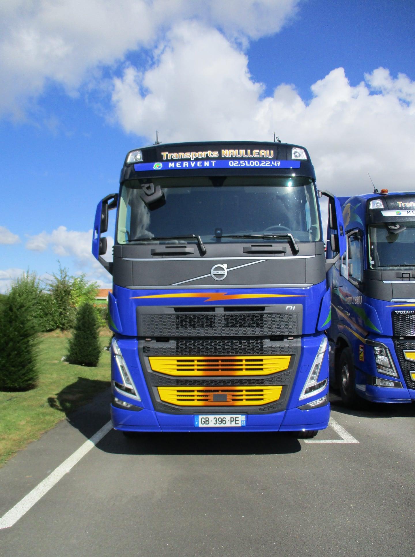 Marquage camions Transports Naulleau - Guyonnet Pub