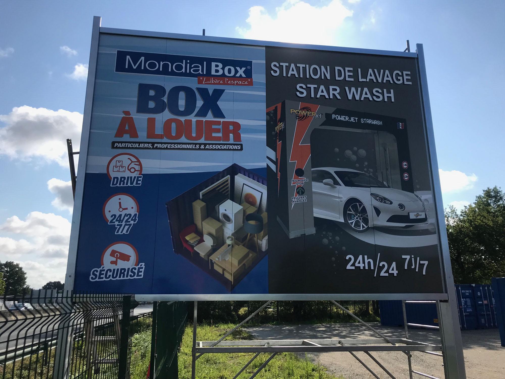 Panneau MondialBox - Guyonnet Publicite Fontenay le Comte